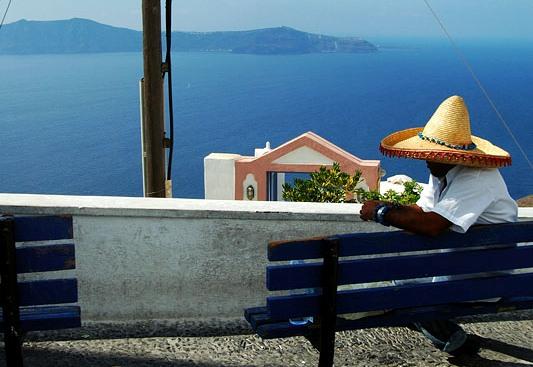 有一個美國商人坐在墨西哥海邊一個小漁村的碼頭上,看著一個墨西哥漁夫划著一艘小船靠岸。 小船上有好幾尾大黃鰭鮪魚,這個美國 […]