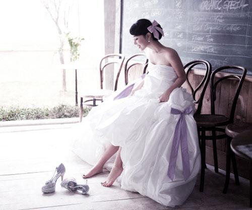 文/艾莉 小時候聽到的童話故事都是這樣演的,公主要做的事情相當簡單。 在森林裡與動物共舞、對著鳥兒高歌算是比較疲累的,從 […]